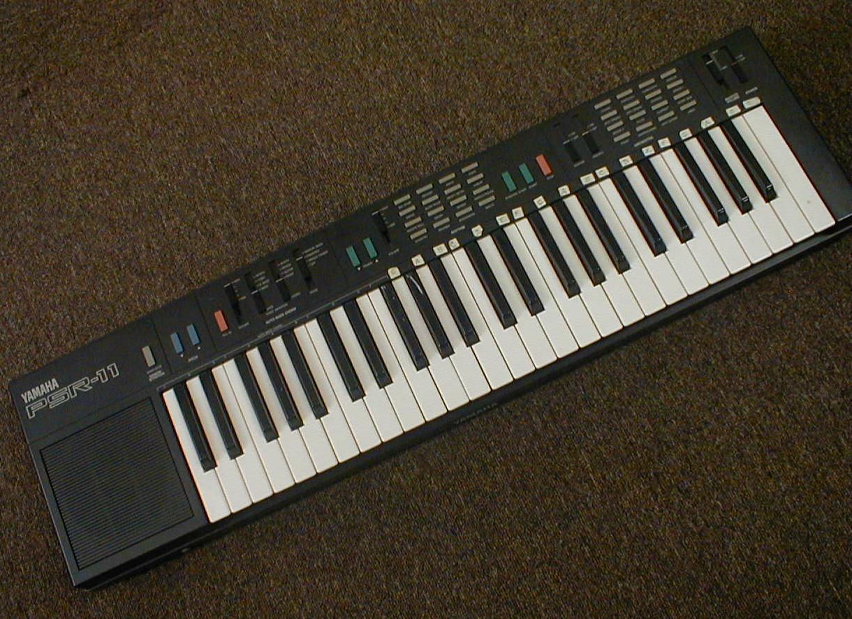 yamaha digital keyboard psr 11 second hand madison. Black Bedroom Furniture Sets. Home Design Ideas